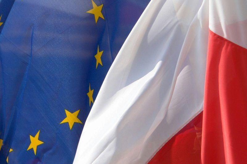 flagi Polski i UE, źródło MSZ