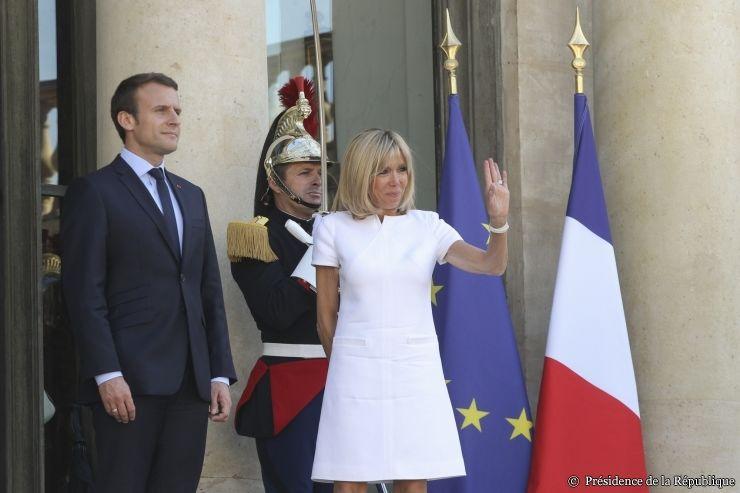 Macron traci poparcie