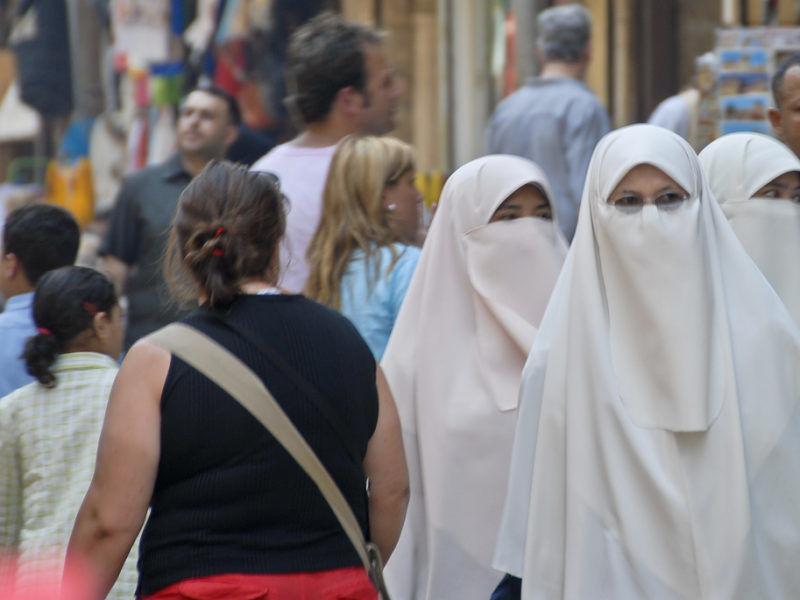 Kobiety noszące nikab, źródło Flickr