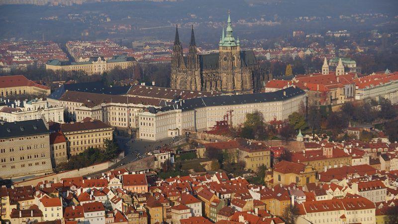 Hradczany w Pradze, źródło Wikipedia