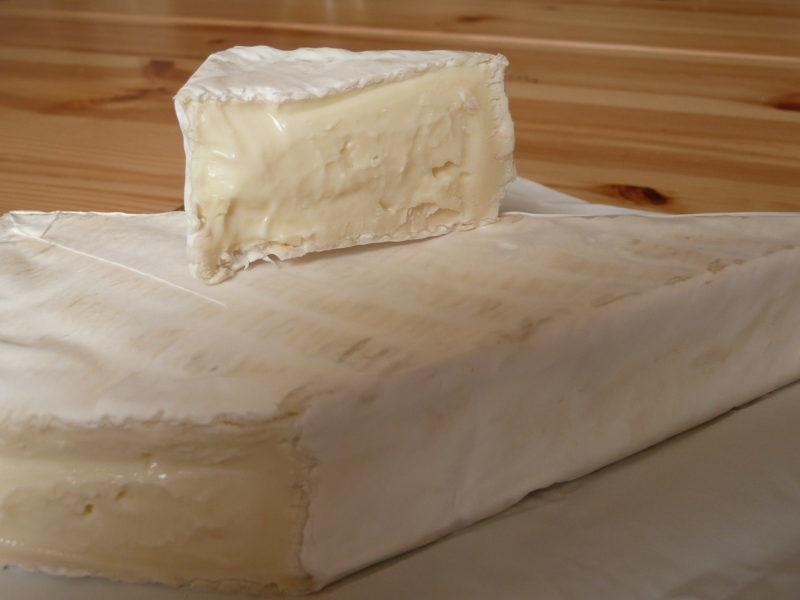 Ser z gatunku Brie, źródło Wikipedia