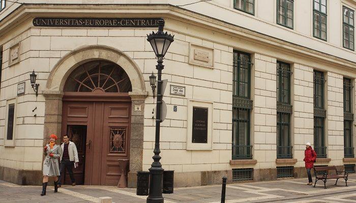 Siedziba Uniwersytetu Środkowoeuropejskiego w Budapeszcie, źródło Wikipedia