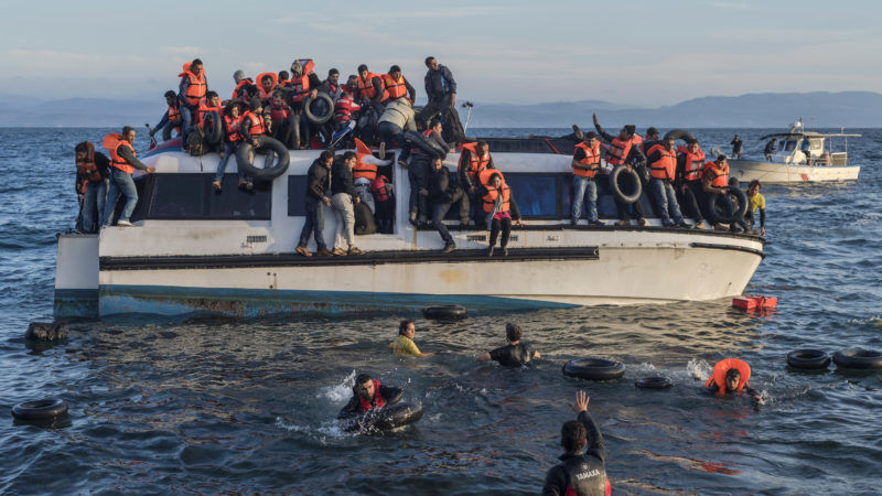 Łódź pełna migrantów