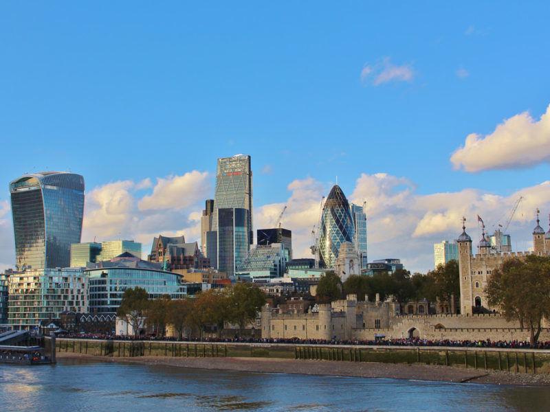 Biurowce-w-londyńskiej-dzielnicy-finansowej-City-źródło-Flickr.jpg