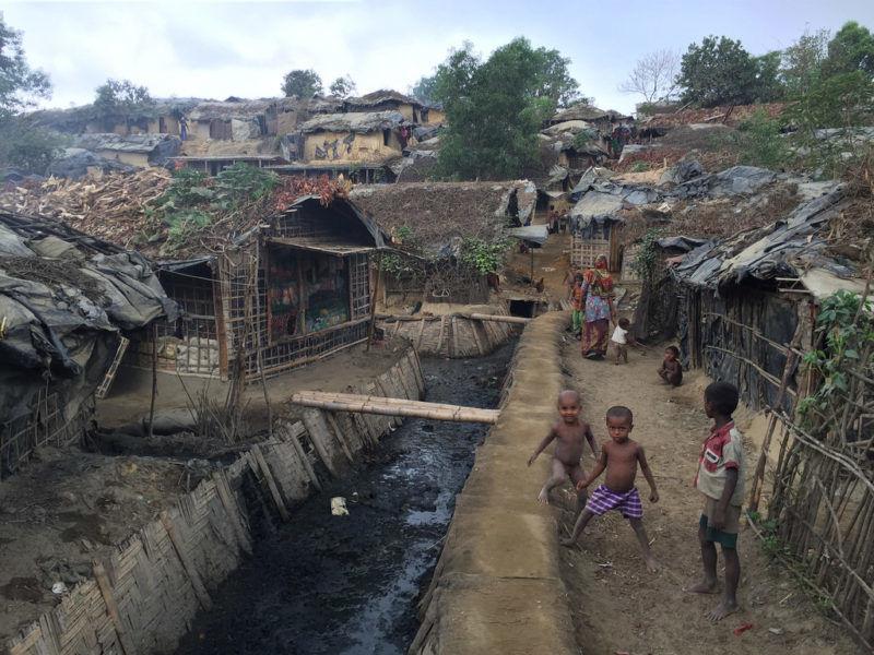 Obóz uchodźców Rohindża w Bangladeszu, źródło Flickr