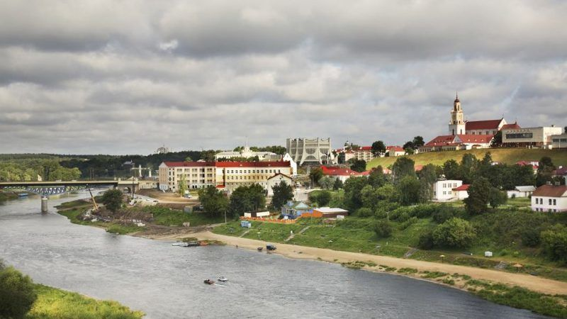 Grodno, źródło: https://wyborcza.pl/7,75399,22828378,bialorus-coraz-szerzej-otwiera-drzwi-dla-turystow-z-zachodu.html