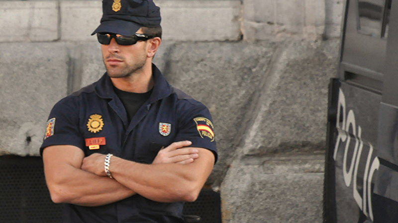 Hiszpański policjant, źródło Flickr