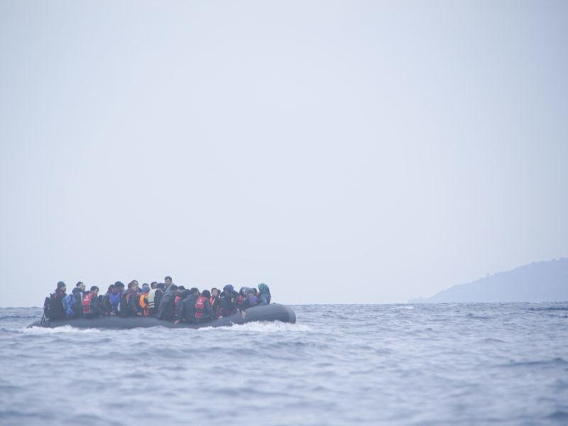 Uchodźcy z Bliskiego Wschodu przepływający z Turcji do Grecji przez Morze Egejskie, źródło: Wikipedia
