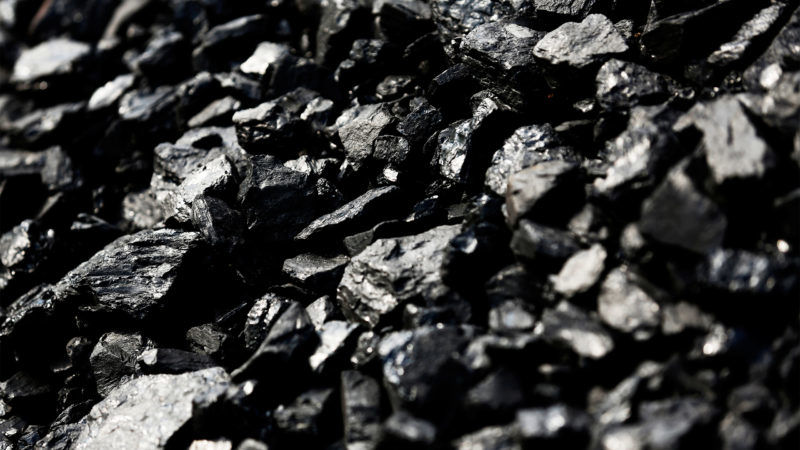 Węgiel. Źródło: https://time.com/4757802/trump-100-days-coal/