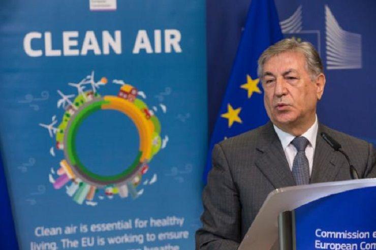 Komisarz UE ds. środowiska Karmenu Vella, źródło KE