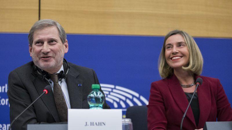 Johannes Hahn i Federica Mogherini, Źródło: Komisja Europejska
