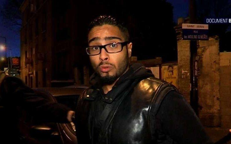 Jawad Bendaoud w chwili aresztowania na nagraniu telewizji BFMTV, źródło YouTube