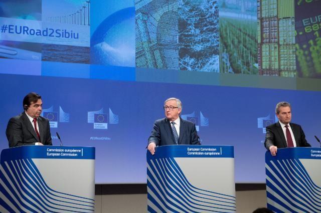 Konferencja prasowa szefa KE Jean-Claude`a Junckera i komisarza UE ds. budżetu Guentera Oettingera, źródło KE