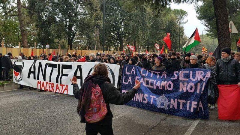 Protest w mieście Macerata, źródło Twitter