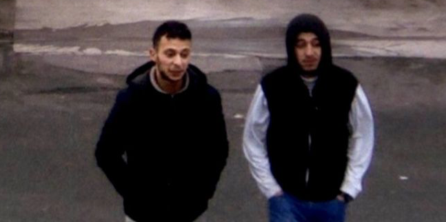Salah Abdeslam i Hamza Attou, inny podejrzany o prygotowania do zamachów w Paryżu, który przebywa już we francuskim areszcie w oczekiwaniu na proces, źródło Wikipedia