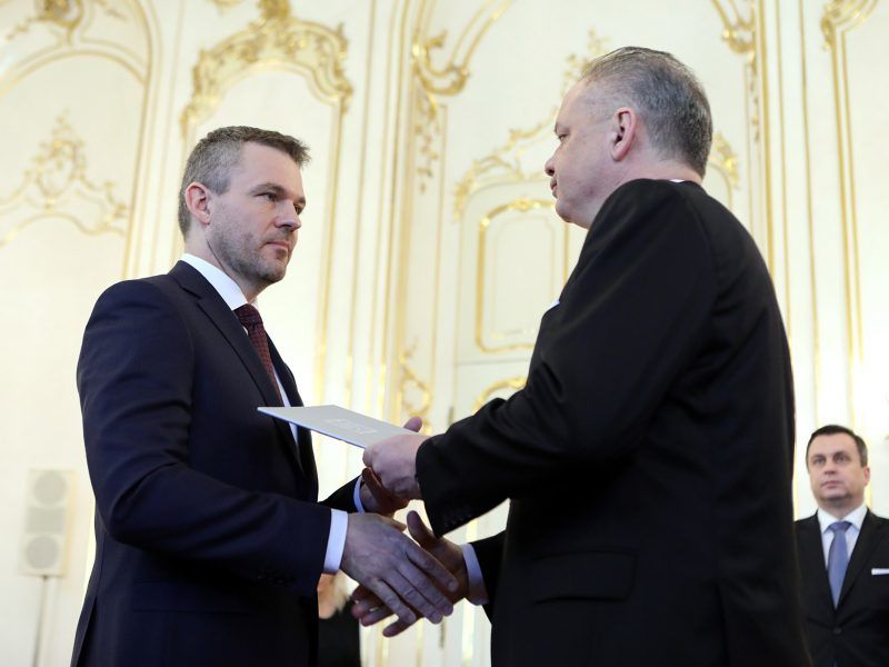Premier Peter Pellegrini i prezydent Andrej Kiska, źródło www.prezident.sk