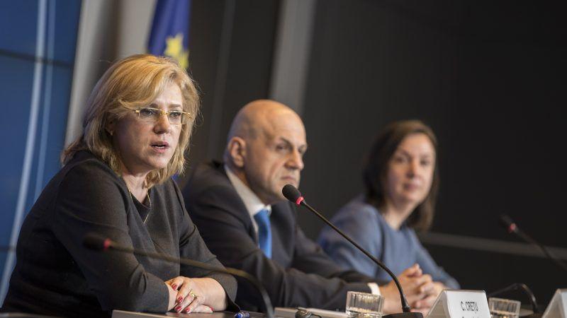 Komisarz ds. polityki regionalnej Corina Cretu, w tle wicepremier Bułgarii Tomisław Donczew, źródło: consilium.europa.eu
