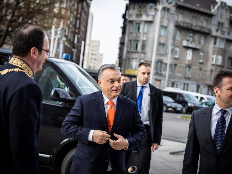 Viktor Orbán. Oficjalny profil premiera na Facebooku
