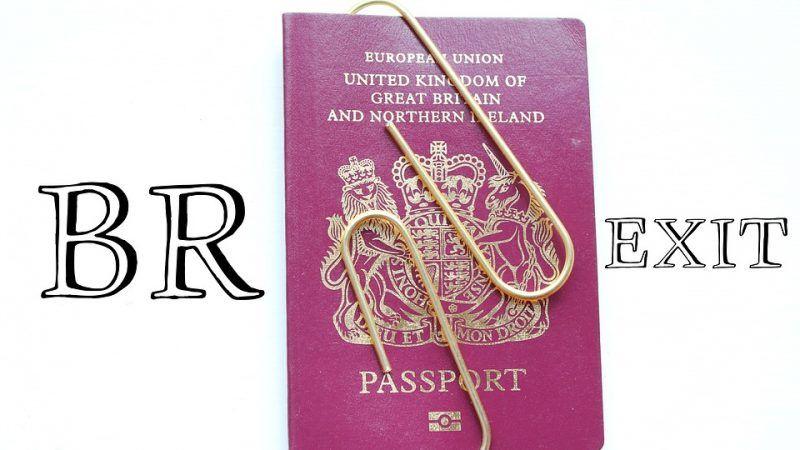 """Po wyjściu z UE Wielka Brytania powróci do stosowania granatowych okładek paszportów. Zniknie teżnapis """"European Union"""", źródło: MaxPixel"""