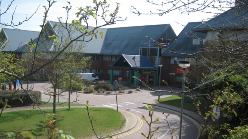 Szpital w Salisbury, gdzie przebywali Siergiej i Julia Skripalowie, źródło: Wikipedia/fot. Richard Avery