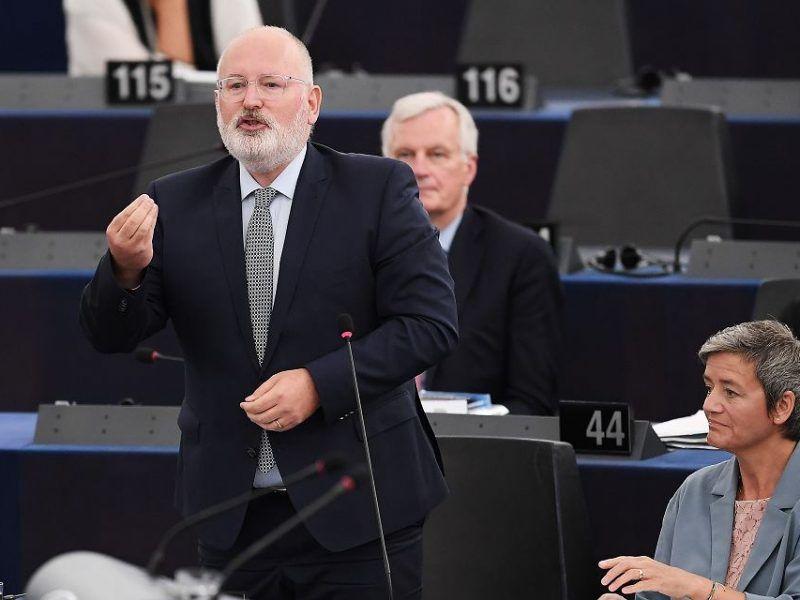Frans Timmermans podczas debaty na temat Polski w Parlamencie Europejskim, źródło: https://wyborcza.pl/7,75399,23536232,europarlament-o-zagrozonym-sadzie-najwyzszym-w-polsce.html