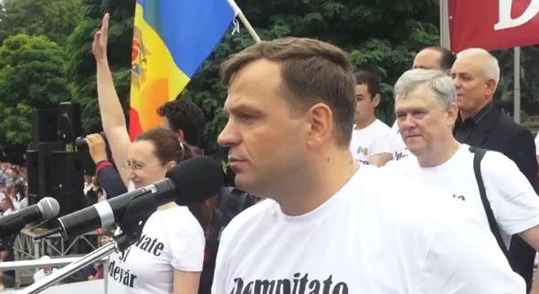 Andrei Nastase podczas manifestacji w Kiszyniowie, źródło: Wikipedia/Accent TV