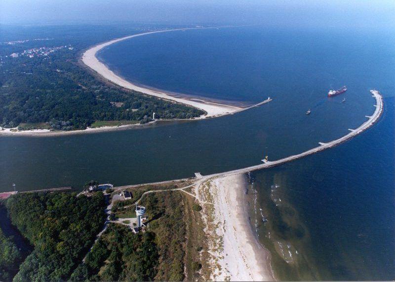 Ujście Świny do Morza Bałtyckiego, źródło: Wikipedia, fot. User:Specjal b