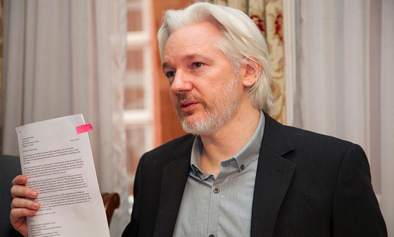 Julian Assange, źródło: Flickr/Cancillería del Ecuador, fot. David G Silvers