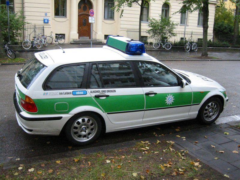 Radiowóz niemieckiej policji, źródło: Flickr, fot. David Pursehouse