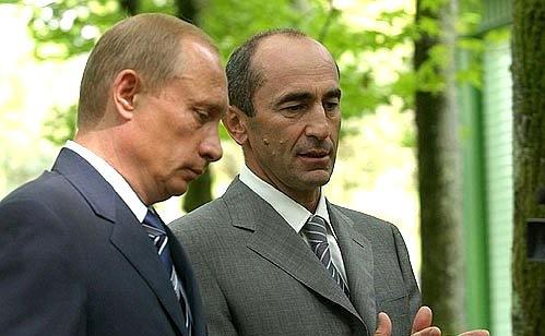 Robert Koczarian był drugim prezydentem Armenii (1998-2008). Źródło: https://en.kremlin.ru/events/president/news/31578