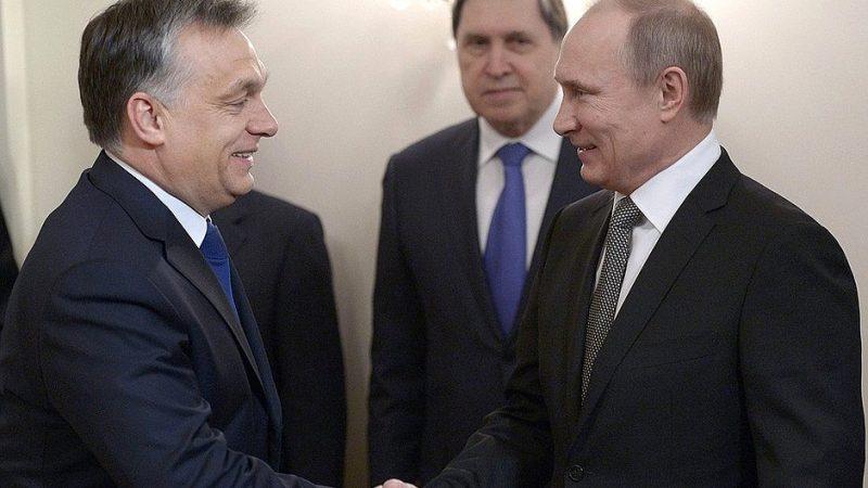 Ostatnim razem Orban spotkał się z Putinem 15 lipca w stolicy Rosji, gdzie premier Węgier oglądał finałowy mecz mistrzostw świata w piłce nożnej. Źródło: https://en.kremlin.ru/events/president/news/20055