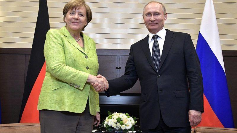 Relacje Berlina z Moskwą są napięte z powodu aneksji Krymu przez Rosję i wsparcia udzielanego przez Moskwę prorosyjskim separatystom na wschodzie Ukrainy. Źródło:https://en.kremlin.ru/events/president/news/54430