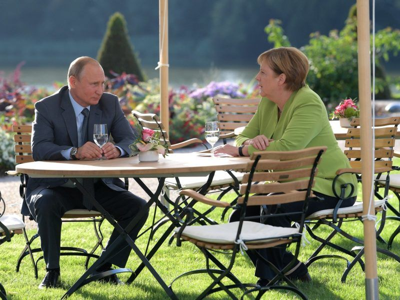 Władimir Putin i Angela Merkel podczas spotkania w Mesebergu, źródło: en.kremlin.ru