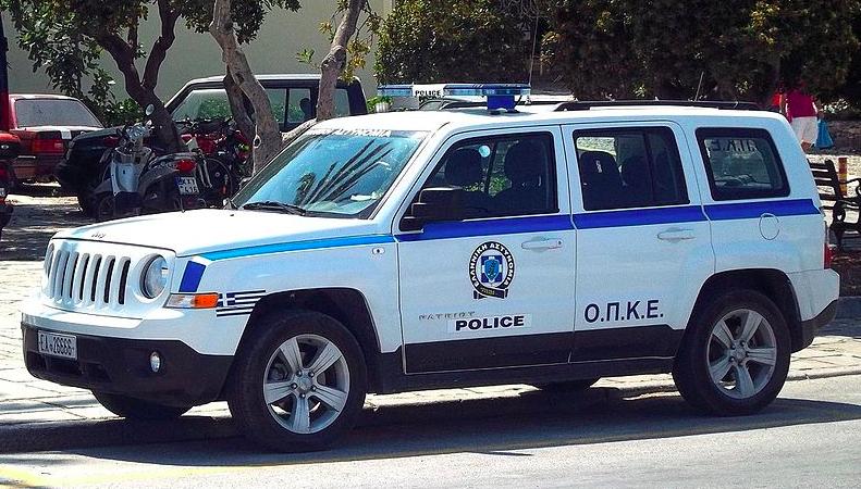 Wóz terenowy greckiej policji, źródło: Wikipedia, fot. Maxim Reniţa