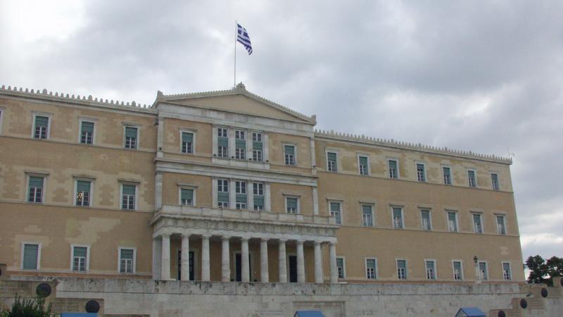 Siedziba greckiego parlamentu w Atenach, źródło: Flickr, fot. Tilemahos Efthimiadis