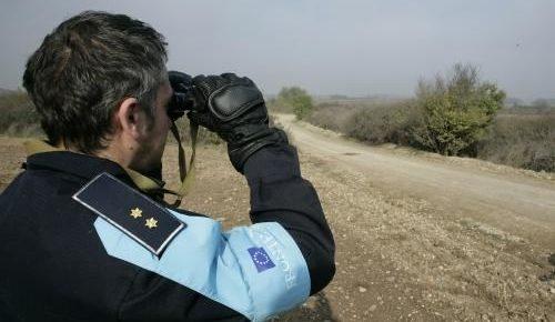Funkcjonariusz Frontexu na granicy grecko-tureckiej, źródło: Flickr, fot. Rock Cohen