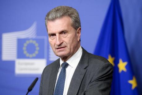 Komisarz UE ds. budżetu i zasobów ludzkich Günther Oettinger. Źródło: Komisja Europejska