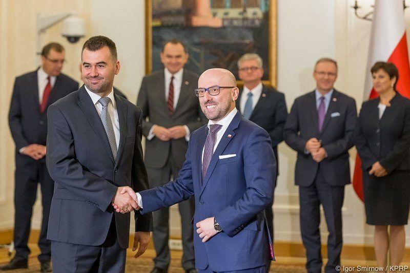 Odwołanie rzecznika prezydenta Krzysztofa Łapińskiego i powołanie nowego-Błażeja Spychalskiego źródło Igor Smirnow KPRP
