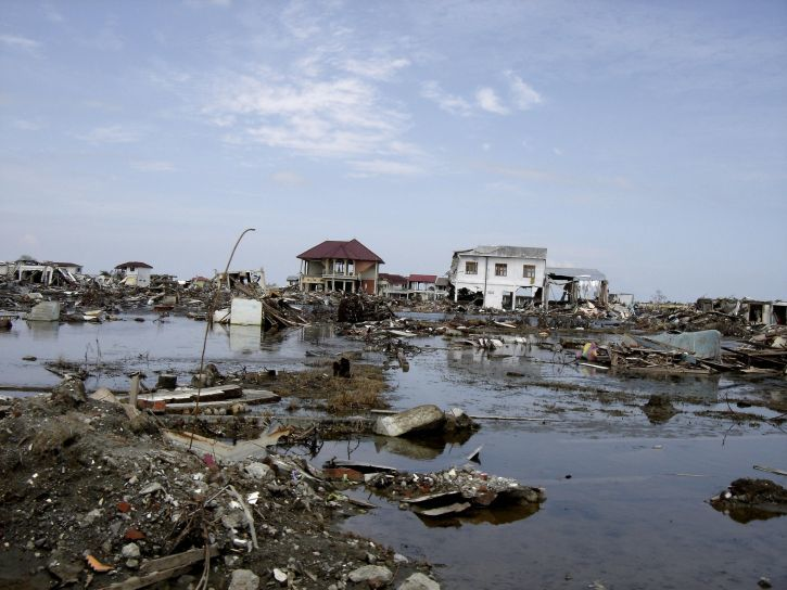 Skutki przejścia tsunami w Indonezji, źrodło: Pixnio, fot. USAID