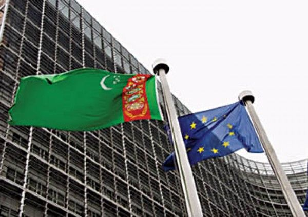 Całkowite zasoby gazu w Turkmenistanie szacowane są na 50 bln m3. Źródło: https://www.oilgas.gov.tm