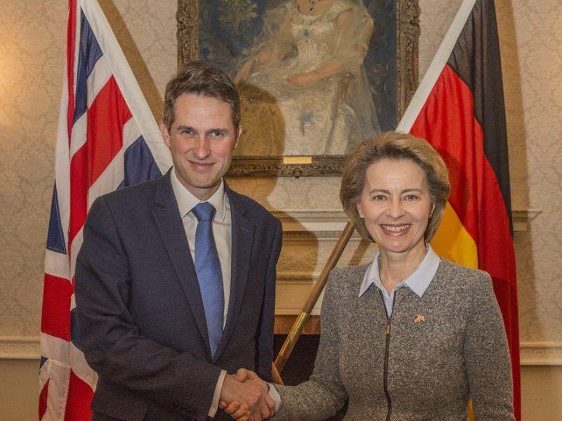 Szefowie MON Wielkiej Brytanii i Niemiec Gavin Williamson i Ursula von der Leyen. Źródło: www.gov.uk