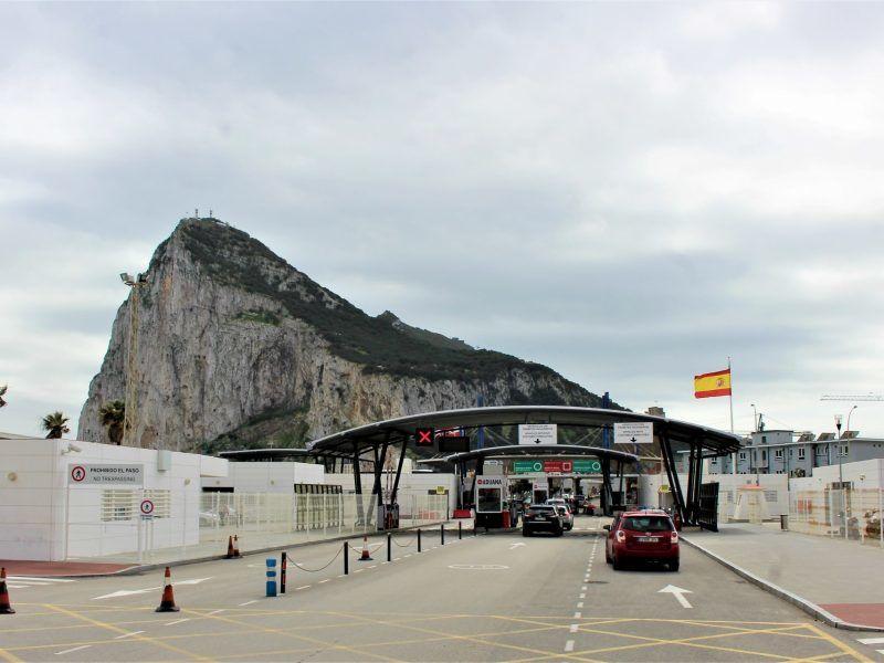 Przejście graniczne między Hiszpanią a Gibraltarrem, źródło: publicdomainpictures.net, fot. Guy Percival