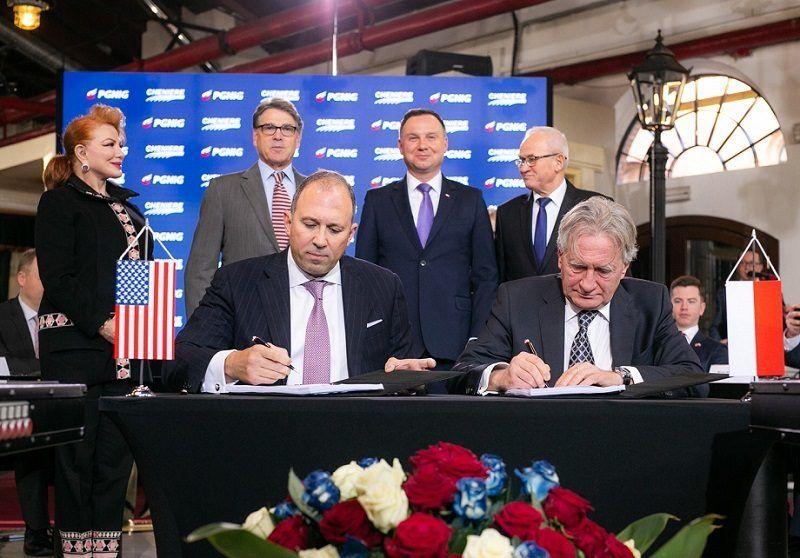 Podpisanie polsko-amerykańskiej umowy ws. dostaw LNG, źródło PGNiG