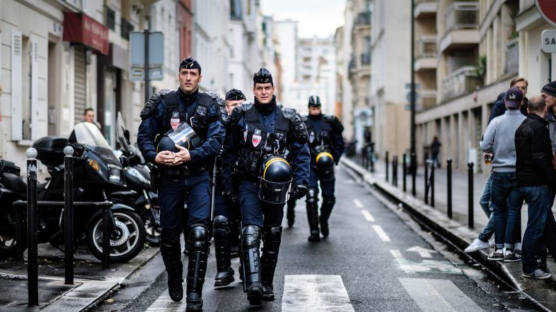 Francuscy policjanci, źródło: Flickr, fot. Kristoffer Trolle