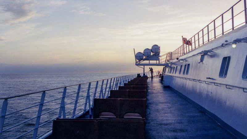 Prom na kanale La Manche, źródło: Flickr, fot. Kent Kanouse