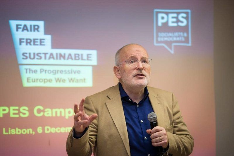 Frans Timmermans na kongresie PES w Lizbonie, źródło fb