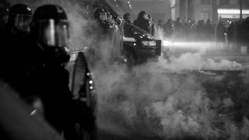 Zamieszki w Paryżu, źródło: Flickr, fot. Philippe Leroyer