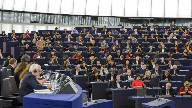 Sala plenarna w siedzibie Parlamentu Europejskiego w Strasburgu, źródło: Flickr,GUE/NGL