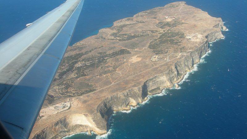 Włoska wyspa Lampedusa z lotu ptaka, źródło: Flickr, fot. Edoardo Danieli