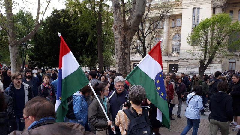 Opozycyjny protest w Budapeszcie, źródło: Wikipedia, fot. Syp